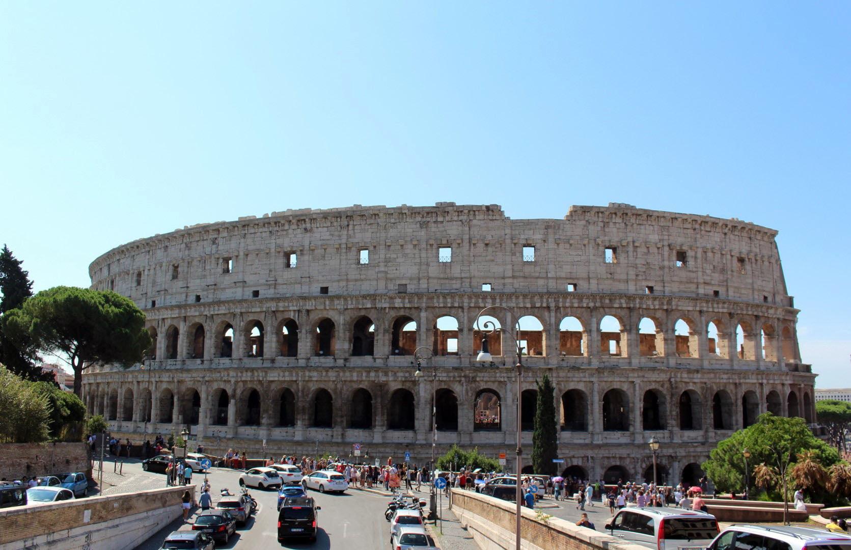 Italija_Rim_Koloseum_Razgledanje_obilazak_Putovanje_2020_metropole_autobusom