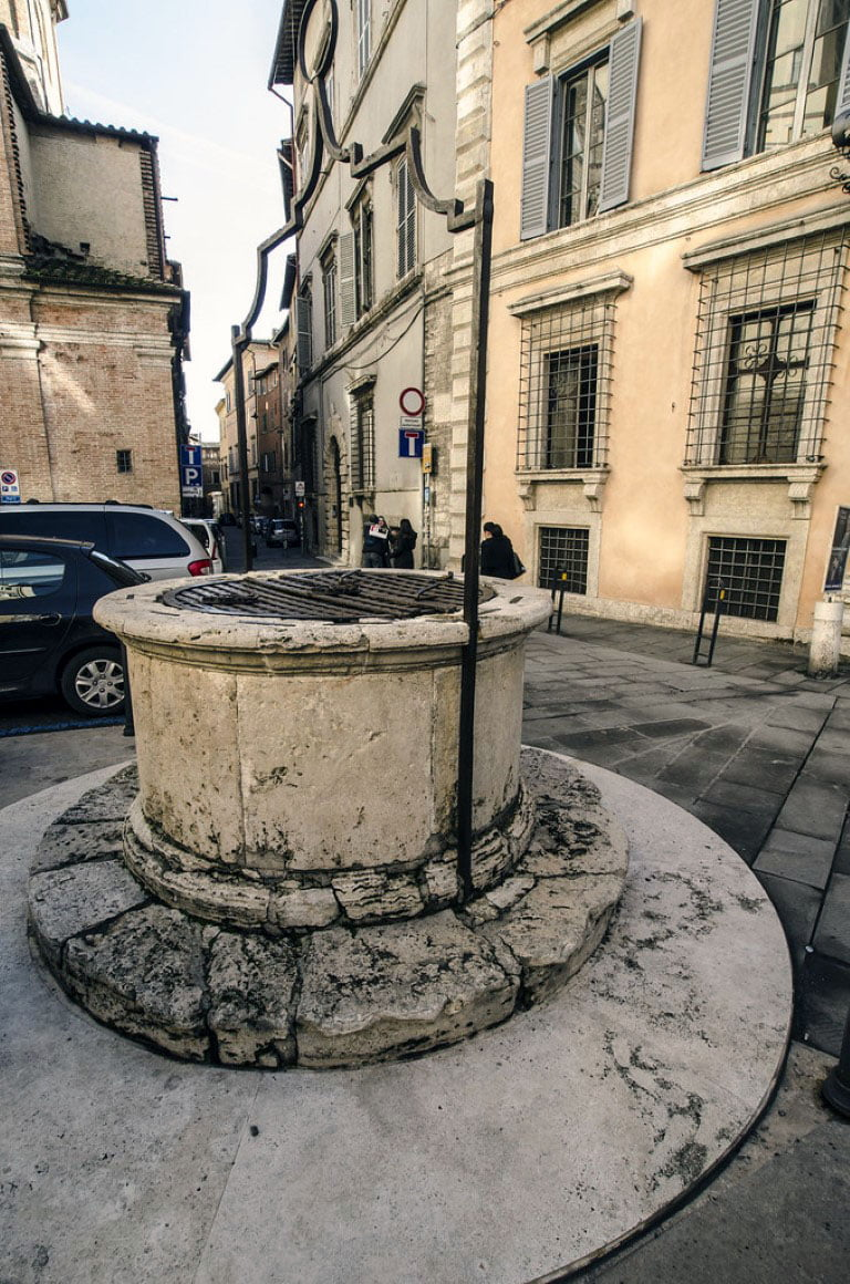 Italija_Umbrija_Perudja_etrurski_bunar_evropski_gradovi_autobusom_akcija