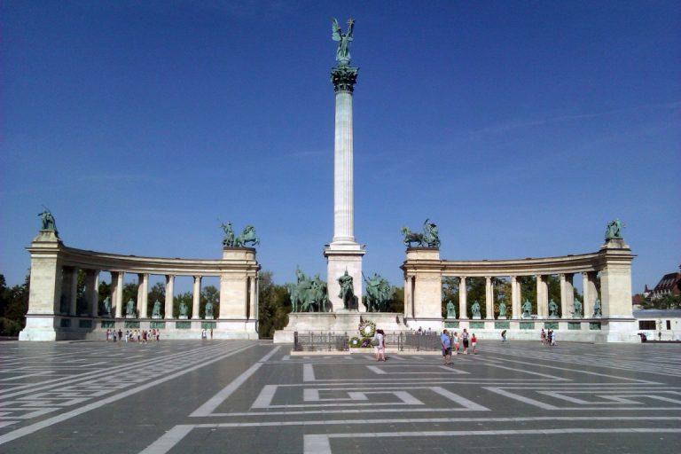 1 Madjarska Budimpesta Trg heroja evropski gradovi autobusom akcija popust