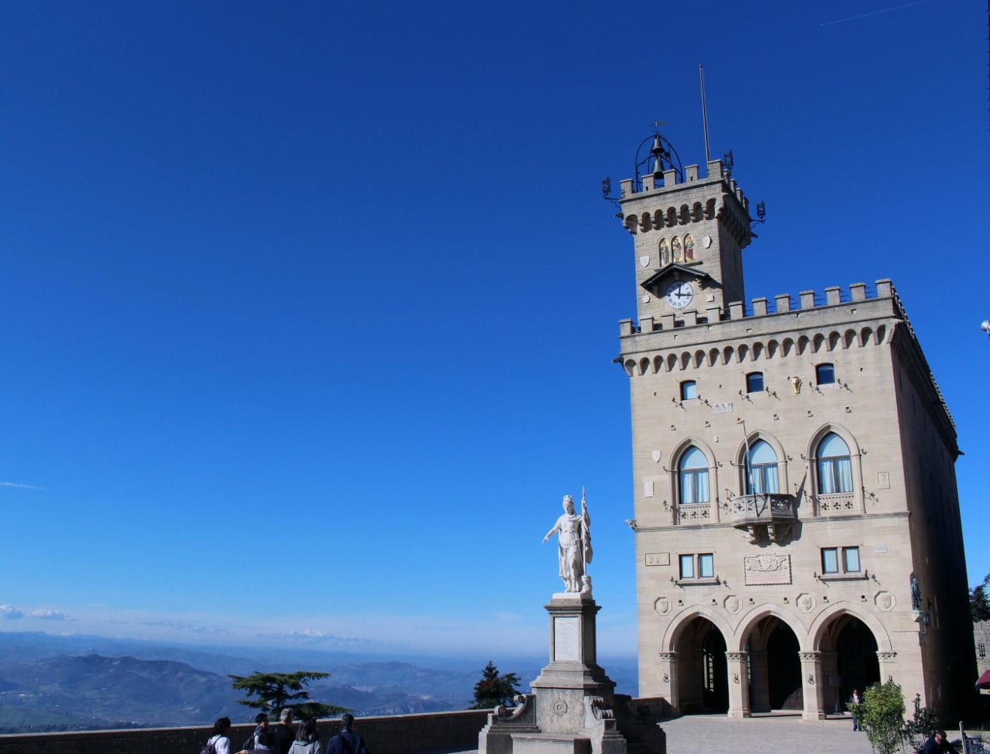 San_Marino_Gradska_kuca_Autobusom_evropski_gradovi_akcija_First_minute_putovanje