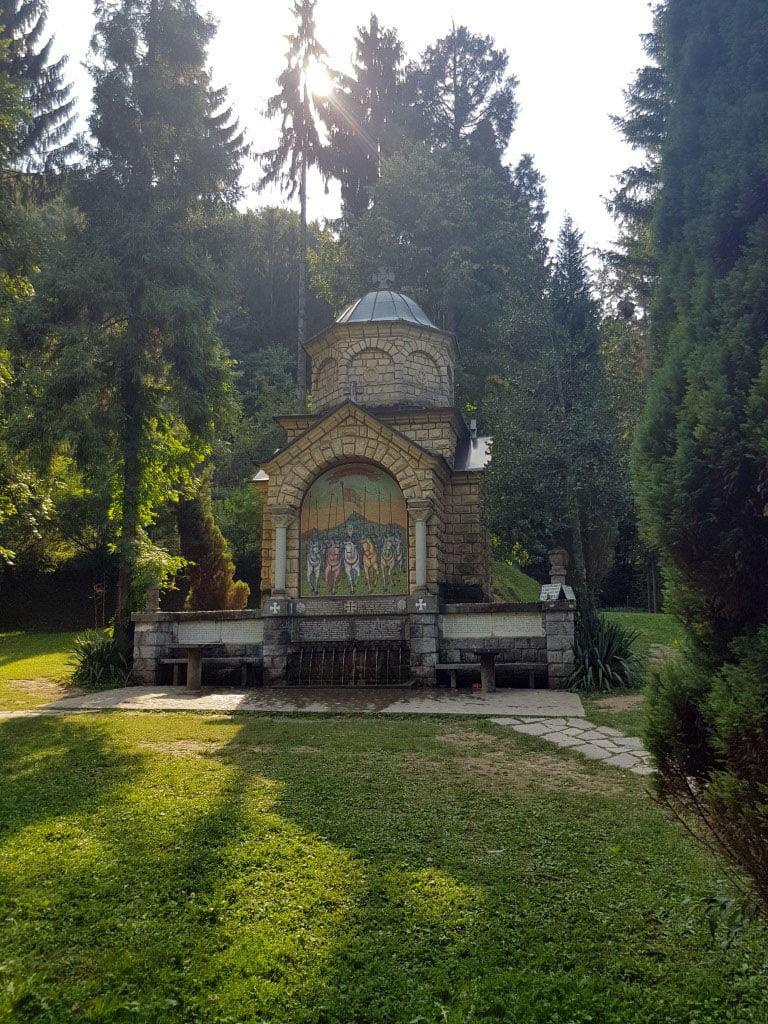 Srbija_Loznica_manastir_tronosa_manastirska_cesma_jednodnevni_izleti_autobusom