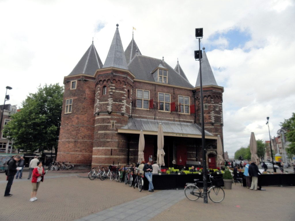 Holandija_Amsterdam_posetite_stari_centar_evropske_metrolole_autobusom_akcija