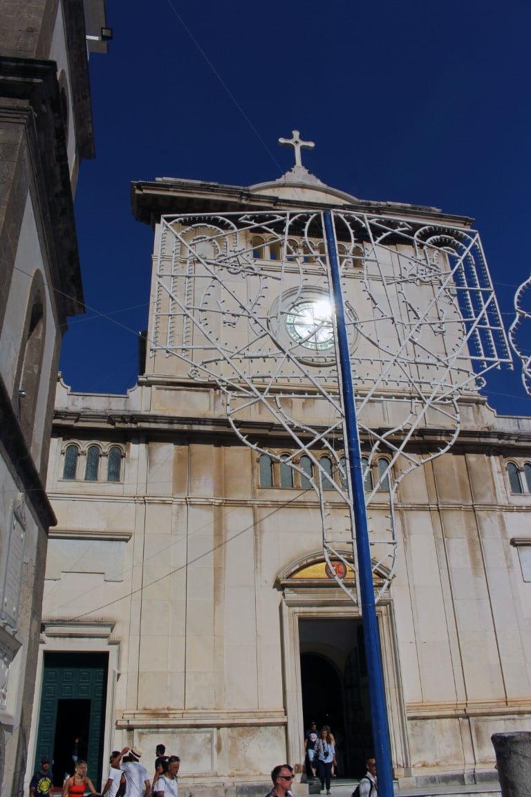 Italija_Amalfi_Obala_Pozitano_Sv.Marija_Asunta_Leto_2020_brodom_akcija