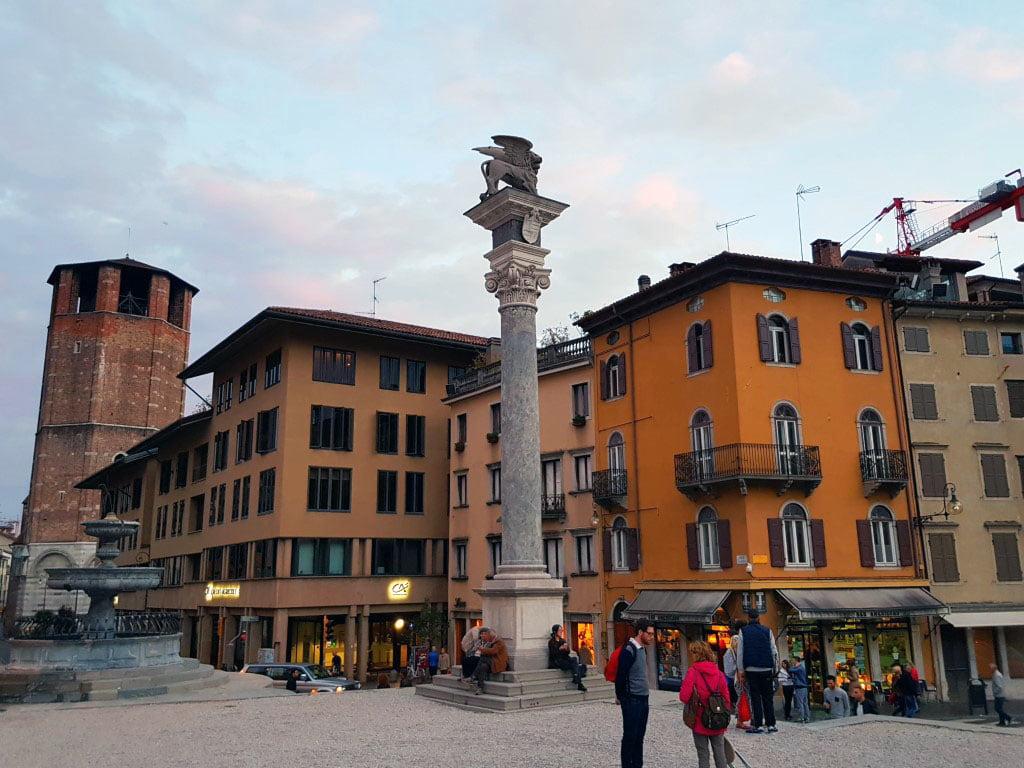 Italija_Grad_Udine_trg_slobode_evropske_metropole_first_minute_akcija