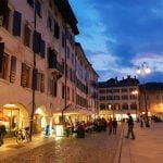 Italija_Udine_Trg_mateoti_first_minute_autobusom_akcija_popust
