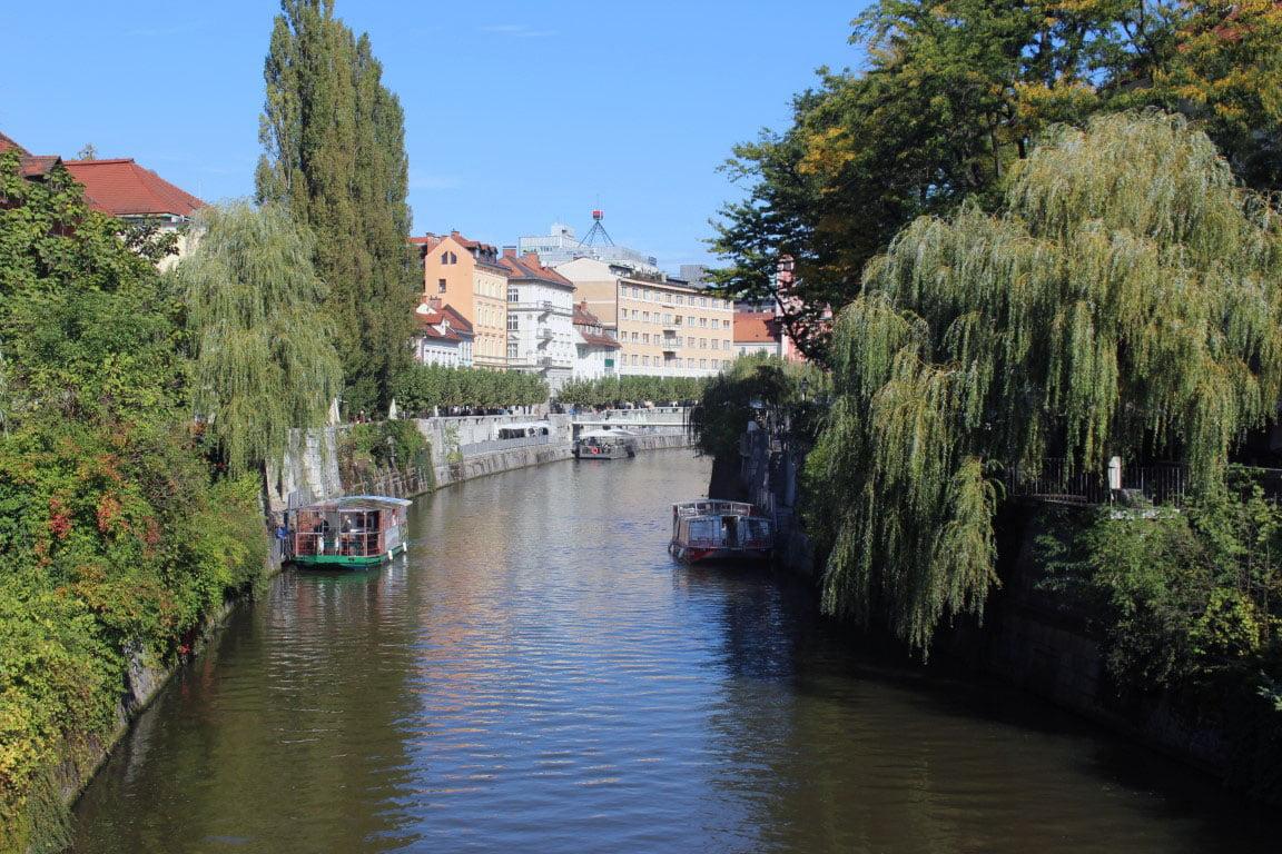 Slovenija_Ljubljana_reka_Ljubljanica_evropski_gradovi_autobusom