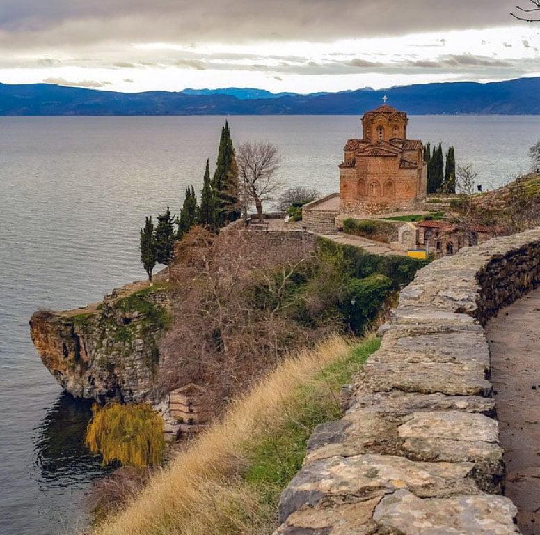 Makedonija_Ohrid_Crkva_Sv.Jovana_Gradovi_Kaneo_autobusom_akcija