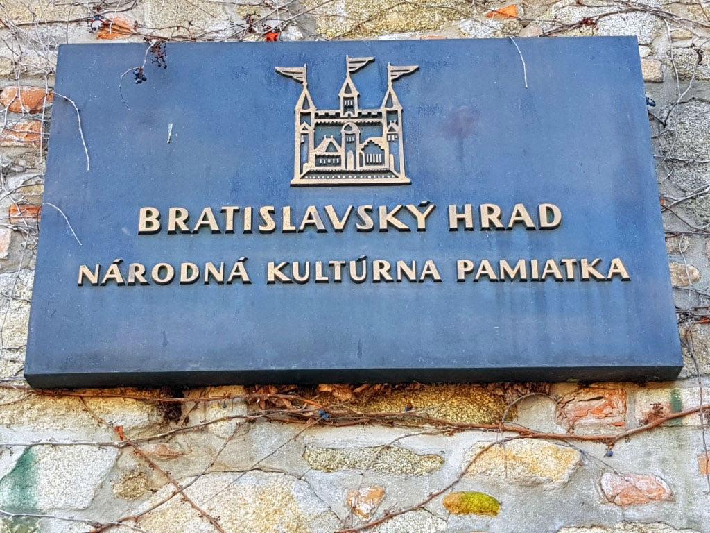 Slovacka_Bratislava_tvrdjava_Evropske_metropole_autobusom_akcija_first_minute