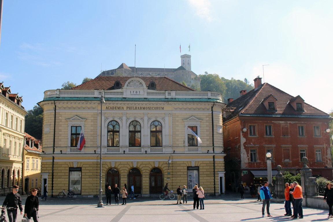 Slovenija_Ljubljana_tvrdjava_evropske_metropole_autobusom_last_minute