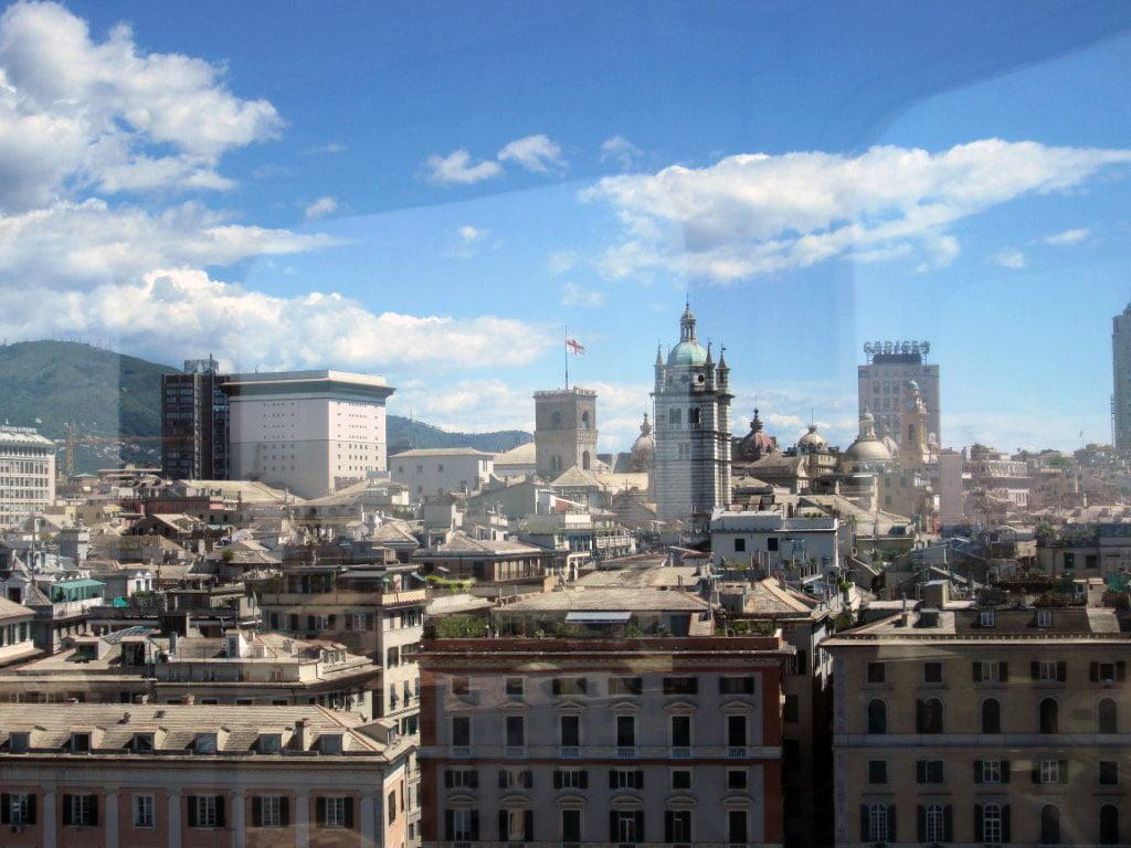 Italija_Djenova_Evropski_gradovi_anticka_luka_minibusom_povoljno