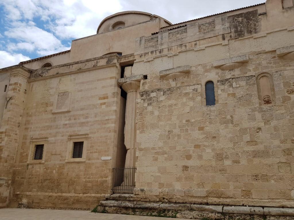 Italija_Sicilija_Sirakuza_Katedrala_evropski_autobusom_akcija_first
