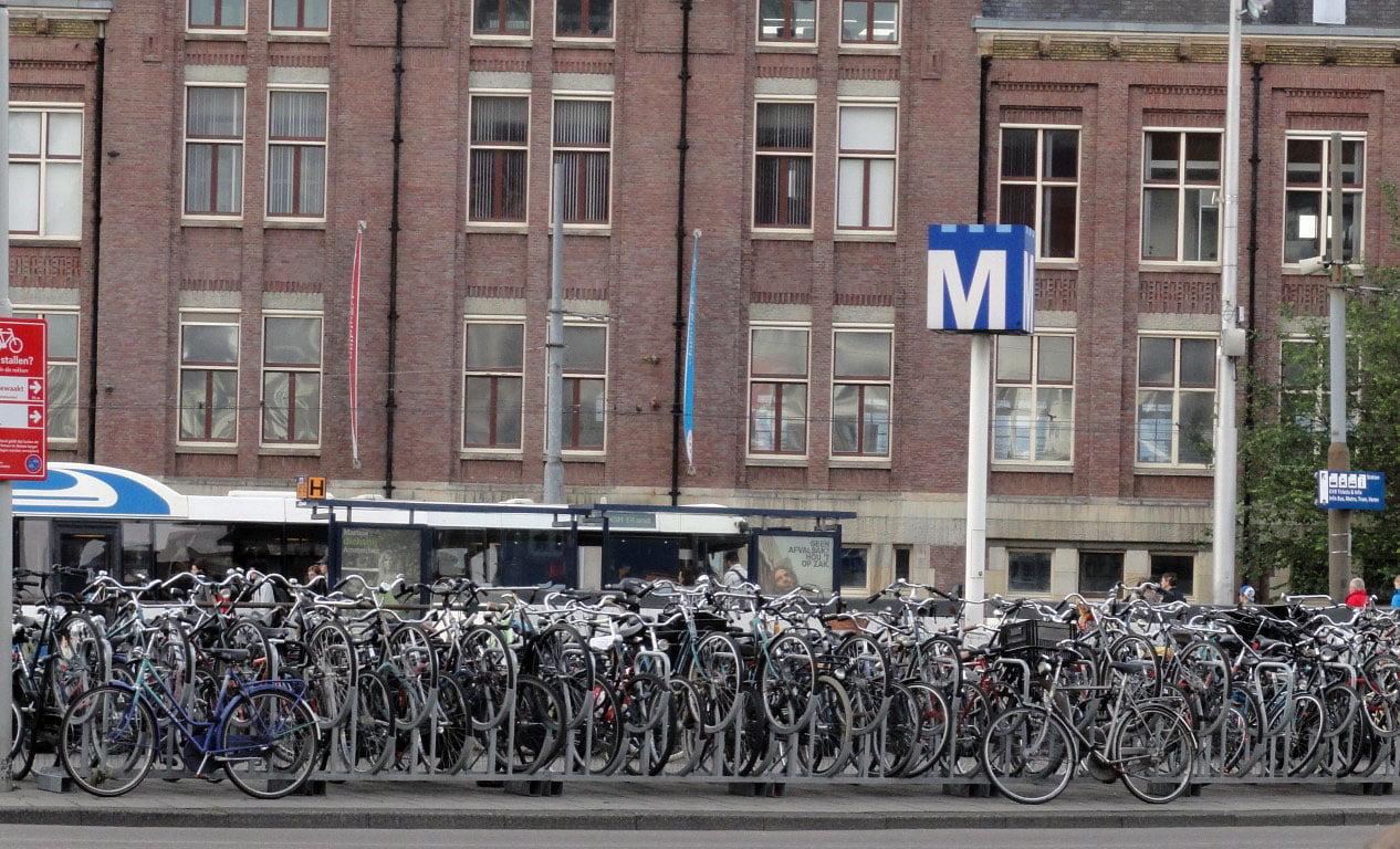 Nizozemska_Amsterdam_putovanje_evropske_metrolole_autobusom_akcija
