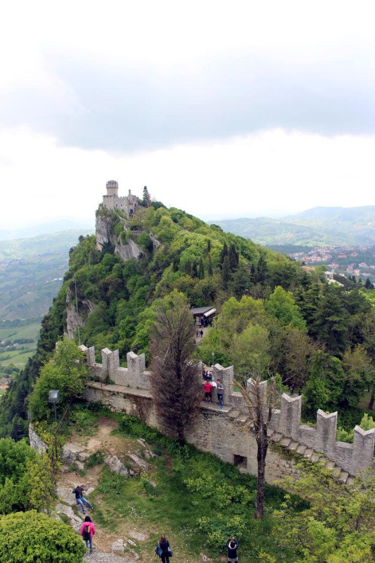 San_Marino_Monte_Titano_Evropski_gradovi_minibusom_last_minute_akcija