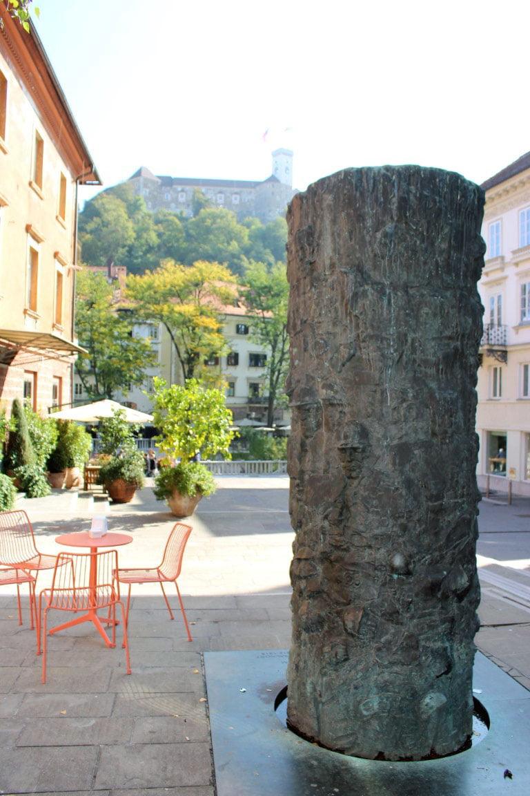 Slovenija_Ljubljana_gornji_grad_evropske_metropole_minibusom_akcija
