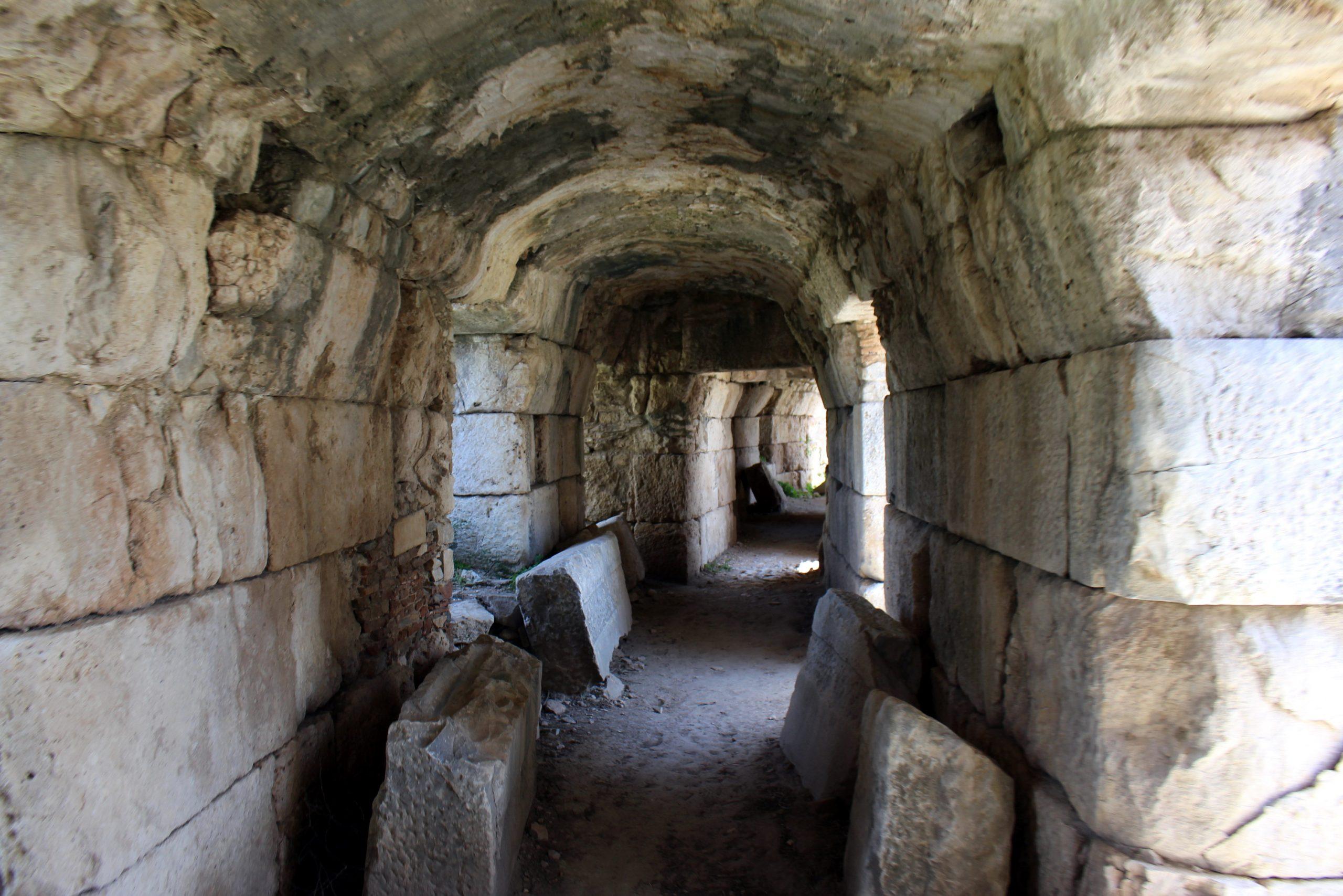 Tuneli amfitetara koji su vodili do sedista gledalaca