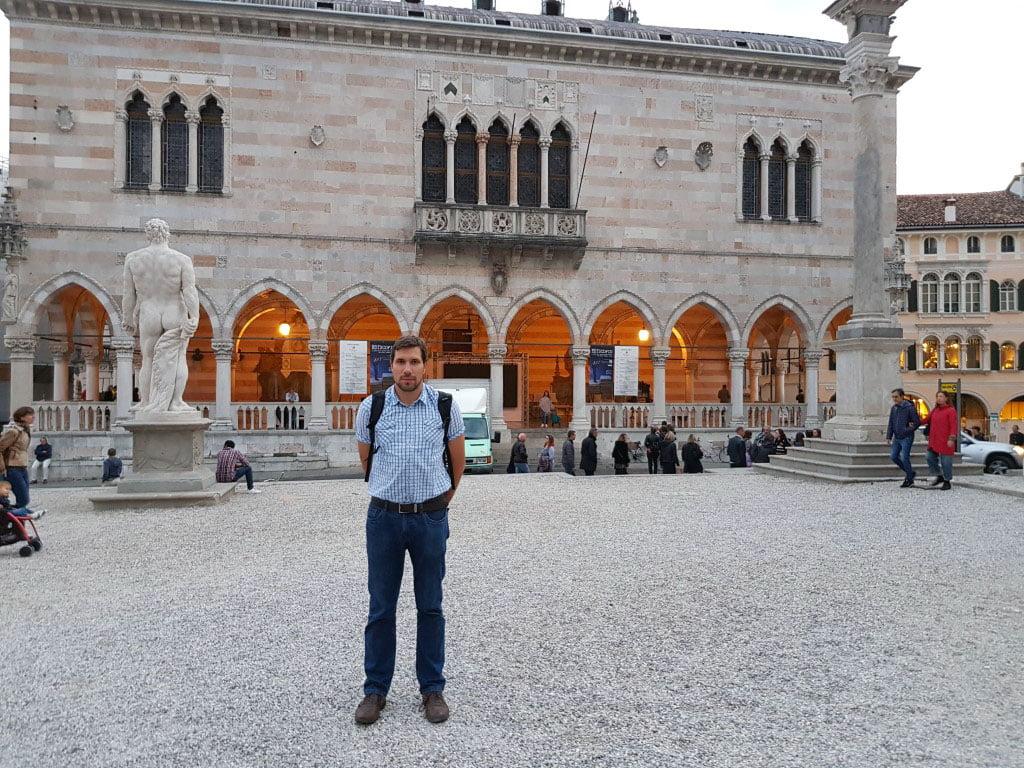 Italija_Grad_Udine_trg_slobode_evropski_gradovi_ppovoljno_dostupno_akcija