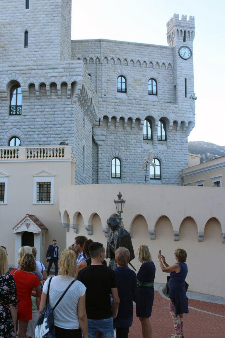 Monako_Vile_Evropski_gradovi_palata_putovanja_autobusom_Akcija_frist_minute