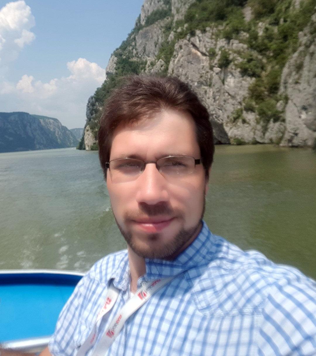 Srbija_Reka_Dunav_voznja_brodom_frist_minute_kazani_izlet_akcija_putovanje