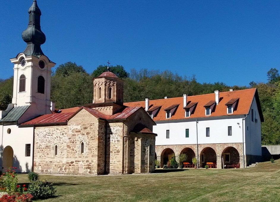 Srbija_izleti_srednjovekovni_manastir_mesic_vrsacke_planineok